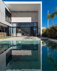"""4,822 Likes, 18 Comments - Revista Formas (@revistaformas) on Instagram: """"Arquitetura por  Cris Furlan  Foto Favaro Jr Piracicaba - SP  _  #decor #decoracao #detalhes…"""""""