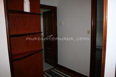 Se alquila piso de 69/65 m2 en Neguri, junto al CD Jolaseta: 2 habitaciones (1 dormitorio + 1 despacho), 1 baño, cocina equipada con office y mesa. Calefacción y agua caliente independientes a gas natural. Ventanas de PVC y cristales Climalit. Sin ascensor.