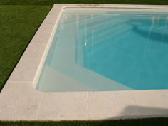 Piscine 10x5 avec un escalier rectangulaire re276 for Piscine celestine 6