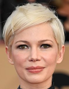 Michelle Williams Messy Cut - Michelle Williams went punk-glam with this messy pixie at the SAG Awards.