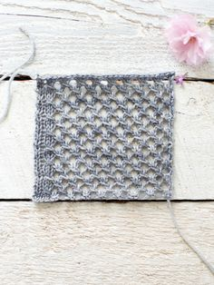 How To Make An Easy Lace Knit Shawl Pattern - Flax & Twine - Lace Pattern 2 - http://www.flaxandtwine.com/2015/05/easy-lace-knit-shawl-pattern/