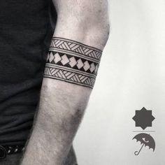 Bildergebnis für geometric tattoos arm bands