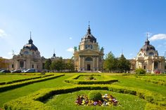 Private Walking Tour: Budapest City Highlights. Book today with Newhall Valencia Travel.