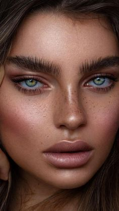 Marvelous Female Portrait Photography Examples - Best HairStyles For All Stunning Eyes, Gorgeous Eyes, Pretty Eyes, Beauty Makeup Photography, Photography Women, Portrait Photography, Stunning Photography, Photography Tutorials, Creative Photography