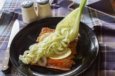Akis recipe for salmon gravlax with a crunchy finochio salad. This recipe for salmon gravlax will surely impress and is perfect for a formal dinner.