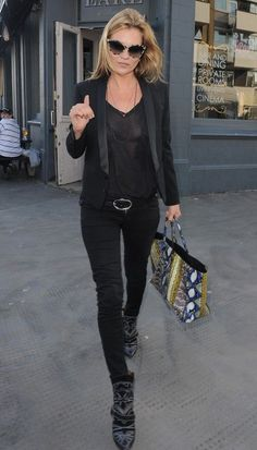 East News - Kate Moss, fot. East News - All Black Fashion, All Black Outfit, Estilo Kate Moss, Moss Fashion, Kate Moss Style, Moda Chic, Ella Moss, Mode Style, Celebrity Style
