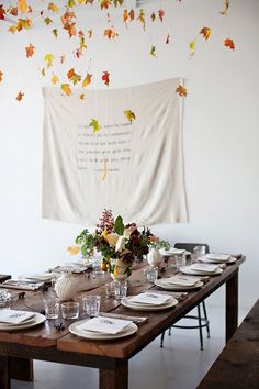 Thanksgiving is fast approaching, so if you haven't yet started dreaming up a picture-perfect tablescape, now is the time.