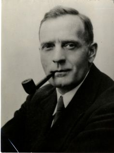 Edwin Hubble, astronomer    From:  United States    Studied:  Earned master's degree in Spanish as a Rhodes Scholar at Queen's College, Oxford (United Kingdom) From Sarah McNitt Website, Famous people who studied abroad