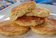 Arepas de Queso - Cheesy Corn Cakes. I make these all the time mmmmm