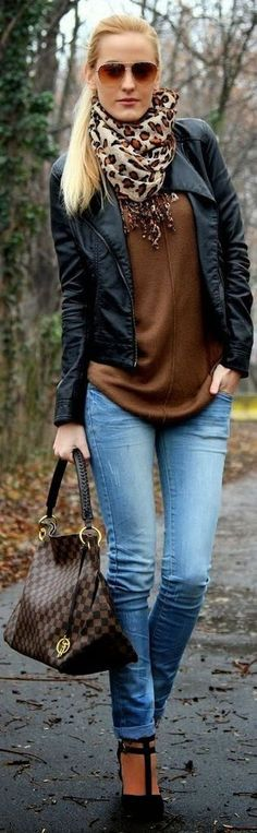 Beautiful Winter Outfits Ideas With Black Leather Jacket 45