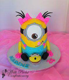 Girly minion and cupcake Minion Birthday, Birthday Cake Girls, 2nd Birthday Parties, Happy Birthday, Birthday Ideas, Minion Torte, Minion Cakes, Girl Minion Cake, Pastel Minion