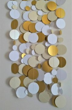 Weddinddecorations decoration, backdrop, made from gold, pearlescent ivory and white card https://www.etsy.com/uk/listing/534820950/wedding-garland-wedding-backdrop