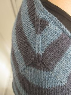 contiguous sleeve - free pattern ..Isabel Kramer's driftwood