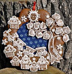produkt Holiday Treats, Christmas Treats, Christmas Baking, Christmas Cookies, Christmas Time, Gingerbread Village, Gingerbread Decorations, Gingerbread Cookies, Honey Cookies