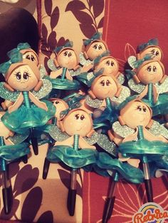 Lapiceros hadas Doll Toys, Dolls, Pasta Flexible, Projects To Try, Pencil, Crafts, Tela, Souvenir Ideas, Costumes