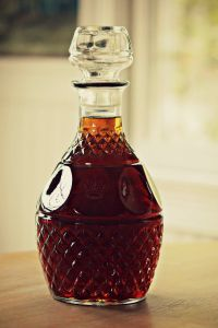 Homemade Amaretto is part of food_drink - a cheaper version of Di Saronno Amaretto got this recipe from top secret recipes Refreshing Drinks, Fun Drinks, Yummy Drinks, Alcoholic Drinks, Beverages, Craft Cocktails, Homemade Alcohol, Homemade Liquor, Homemade Liqueur Recipes