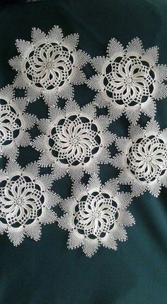 This Pin was discovered by Lal Crochet Doilies, Crochet Lace, Free Crochet, Embroidery Dress, Tatting, Elsa, Free Pattern, Diy And Crafts, Crochet Patterns