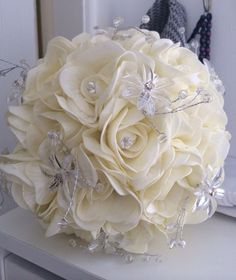 Bridal Hairstyles, Bouquets, Amen, Pastel, Ivory, Hair Accessories, Elegant, Hair Styles, Creative