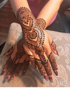 Rock The Party With These Classic Party Mehndi Designs - Toprelease - -You can find Mehndi and more on our website.Rock The Party With These Classic Party Mehndi Desi. Easy Mehndi Designs, Latest Mehndi Designs, Bridal Mehndi Designs, Henna Designs Feet, Mehndi Designs For Girls, Mehndi Designs For Beginners, Mehndi Designs For Fingers, Mehndi Design Photos, Henna Tattoo Designs