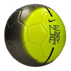 During soccer training, you are introduced to many different things. While many of these things focus on technique, speed is an important element in soccer as well. Nike Soccer Ball, Soccer Gear, Soccer Equipment, Soccer Tips, Soccer Cleats, Soccer Pictures, Good Soccer Players, Soccer Quotes, Soccer World