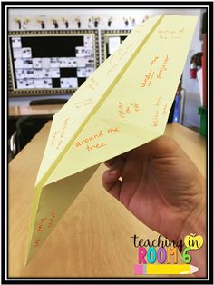 Prepositional Phrase Paper Planes and Poems.a great way to get the kids to learn prepositional phrases. Grammar Practice, Grammar Skills, Teaching Grammar, Teaching Language Arts, Teaching Writing, Student Teaching, Teaching Ideas, Grammar Lessons, Teaching Strategies