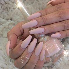 Gucci Fiina Love Nails, How To Do Nails, Gorgeous Nails, Acrylic Summer Nails Coffin, Acrylic Nails Almond Matte, Coffin Acrylics, Matte Nail Polish, Almond Nails, Acrylic Nail Art
