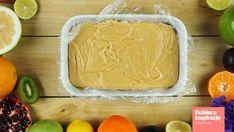 Domowe krówki - Smak dzieciństwa Kobieceinspiracje.pl Bamboo Cutting Board, Cupcakes, Food, Diet, Cupcake Cakes, Essen, Meals, Yemek, Cup Cakes