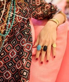 Aurelie Bidermann's bohemian-inspired gold accessories, of her own design. Gold Accessories, Fashion Accessories, Aurelie Bidermann, Earring Trends, Autumn Clothes, Weekend Wear, Fashion Story, Green Fashion, Spring Summer Fashion