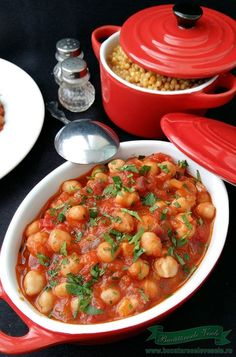 Tocanita de Naut - Bucataresele Vesele Romanian Food, Chana Masala, Vegetable Recipes, Food Art, Quinoa, Beans, Food And Drink, Cooking Recipes, Vegetables