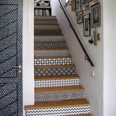 www.littlerugshop.com Amazing pattern on pattern happening in this photo that @melanieroyals shared in #dspattern (taken at #peacockpavillion ) by designsponge