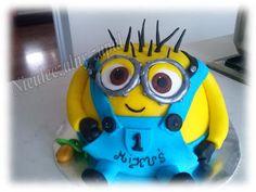Tort Minionek,minions cake