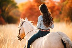 Fall Horse Pictures – Lowe Kids - Fall Horse Pictures – Lowe Kids Informations About Fall Horse Pictures – Lowe Kids Pin You can e - Cute Horses, Pretty Horses, Horse Love, Beautiful Horses, Cute Horse Pictures, Horse Senior Pictures, Horse Photos, Fall Pictures, Lauren Anderson