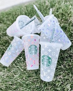 Starbucks Tumbler Cup, Starbucks Cup Art, Personalized Starbucks Cup, Custom Starbucks Cup, Starbucks Gift Card, Personalized Cups, Diy Gifts To Sell, Coffee Cup Art, Cute Water Bottles
