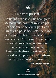 Pensée positive Daily Inspiration Quotes, Great Quotes, Inspirational Quotes, Positive Mind, Positive Attitude, Quote Citation, French Quotes, Life Quotes To Live By, Live Happy