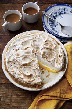 Valentine's Day Recipes - Lemon-Lime Meringue Pie Pie Recipes, Dessert Recipes, Party Recipes, Dessert Ideas, Potluck Recipes, Lemon Recipes, Sweet Recipes, Cake Ideas, Lime Meringue Pie