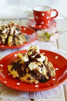 Somlói galuska - eredeti recept szerint Cake Cookies, Cupcake Cakes, Hungarian Desserts, Creative Cakes, Street Food, Macarons, Waffles, Pancakes, Cake Recipes