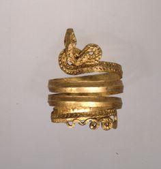 Spiral finger ring,
