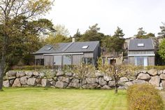 The silver-gray cottage is a summer house designed by Tim Resen for an Oslo-family. The location Strømstad is a great area for Norwegians to have cottage. Arched Cabin, Oslo, Gazebo, House Plans, Cottage, Outdoor Structures, House Design, Architecture, House Styles