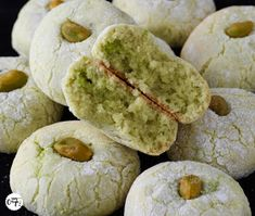 Arabic Recipes 66694 It's my batch!: The soft pistachio amaretti Desserts With Biscuits, Cookie Desserts, Cookie Recipes, Dessert Recipes, Galletas Amaretti, Biscotti Cookies, Gula, Arabic Food, No Bake Cookies