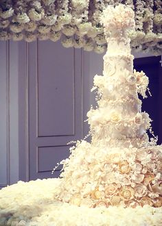 fairytale wedding cakes