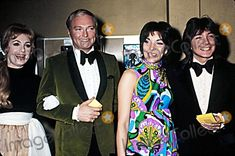 🎼Photos and Pictures - Shirly Jones, Jack and David Cassidy(david's Date) at the Grammy Awards Photo by Phil Roach/ipol/Globe Photos, Inc. Shirley Jones, First Crush, Partridge Family, David Cassidy, Pop Singers, American Actors, Superstar, Celebrities, Pictures