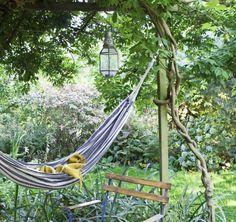 Amazing Gardens, Beautiful Gardens, Low Maintenance Garden Design, Minimalist Garden, Small Backyard Gardens, Mediterranean Garden, Natural Garden, Garden Seating, Lawn And Garden