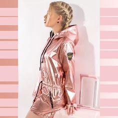 f247691a9fd Такая одежда гарантировано выделит из серой массы и придаст твоему  повседневному образу неповторимого «космического» шика и блеска!