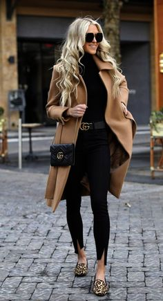 20 Edgy Fashion Outfits to look Forever Young - Fashion Trend 2019 - Outfits - Modetrends Trend Fashion, Winter Fashion Outfits, Look Fashion, Autumn Winter Fashion, Casual Winter Outfits, Fashion Ideas, Fashion Bloggers, Women's Fall Fashion, Black Jeans Outfit Winter