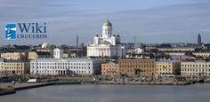 La capital de Finlandia, Helsinki, es una de las típicas escalas en los cruceros que las navieras programan en el Mar Báltico. No es una ciudad monumental como San Petersburgo o una ciudad museo como Tallin, pero tiene algunas de las estampas más hermosas y características de los cruceros por el norte de Europa.