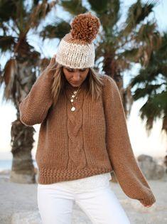 pull serena Sézane - www.CHONANDCHON.COM Asos, Bronze, Ugg, Turtle Neck, Cozy, Knitting, Sweaters, Fashion, Winter