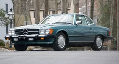Barely-Driven 1988 Mercedes-Benz 560 SL Leaves Time Capsule For Auction #news #Auction