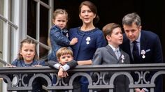 Fine medals for the entire royal family - including the little princes and princesses | Billedbladet