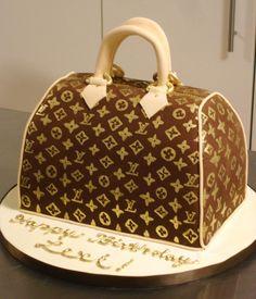 Louis Vuitton cake Cupcakes, Cupcake Cookies, Creative Cakes, Creative Food, Beautiful Cakes, Amazing Cakes, Louis Vuitton Cake, Handbag Cakes, Purse Cakes