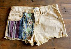 DIY: 10 Summer Shorts You Can Make At Home | EcoSalon | Conscious Culture and Fashion. Fabric applique shorts!